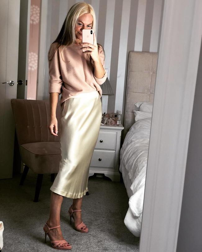7 kiểu trang phục tưởng bình thường nhưng vẫn có thể giúp chị em nổi bần bật trong những bữa tiệc cuối năm - Ảnh 9.