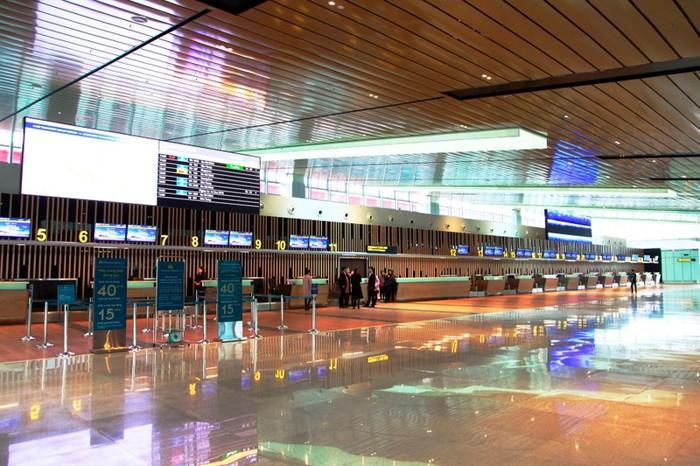 Ngất ngây vẻ đẹp về đêm của sân bay hiện đại nhất Việt Nam