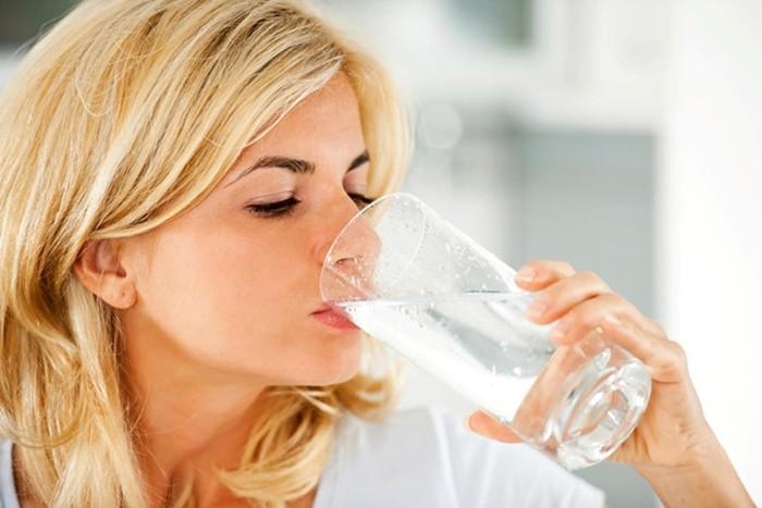 Bạn đã biết cách uống nước để giảm cân?