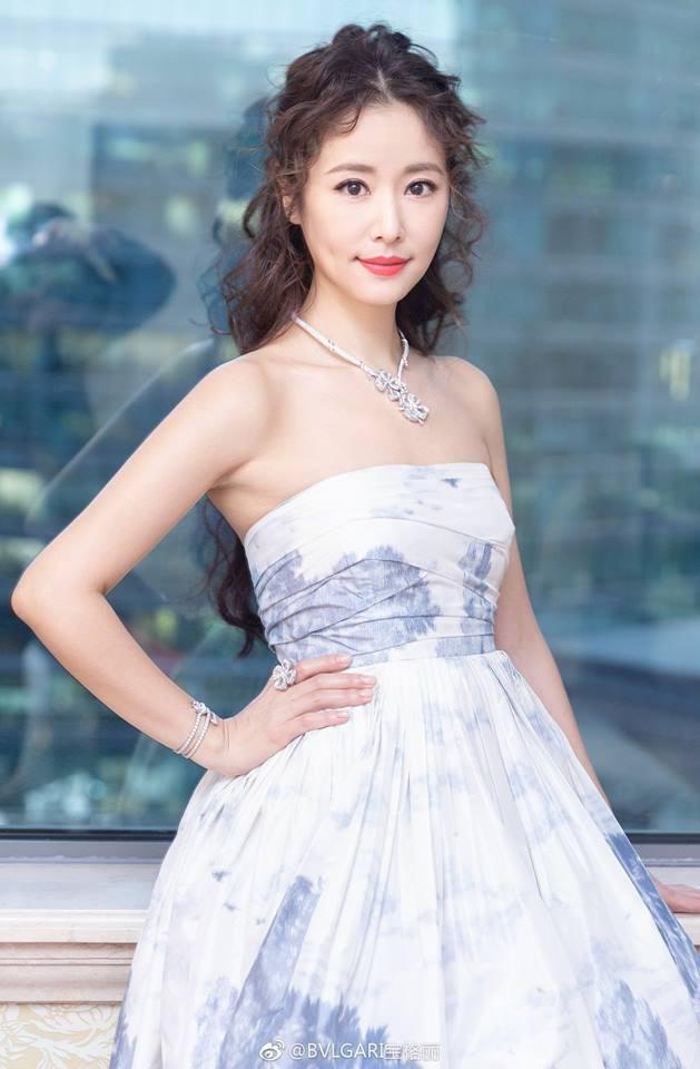 Công bố chỉ số truyền thông 100 nghệ sĩ Cbiz: Triệu Lệ Dĩnh vượt mặt Dương Mịch cùng loạt tiểu Hoa đán đình đám - Ảnh 23.
