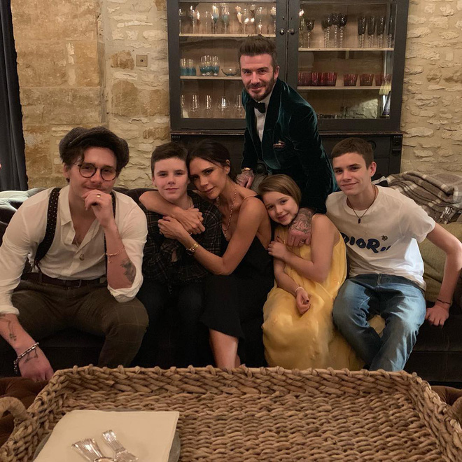 Tạp chí Mỹ gây sốc với tin Angelina Jolie giật David Beckham từ tay Victoria: Chuyện gì đang xảy ra? - Ảnh 3.
