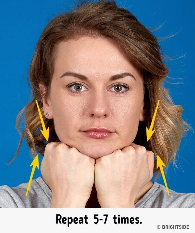 Muốn khuôn mặt thon gọn không còn ngấn mỡ, nọng cằm trước Tết, hãy chăm chỉ thực hiện 7 bài tập này mỗi ngày - Ảnh 6