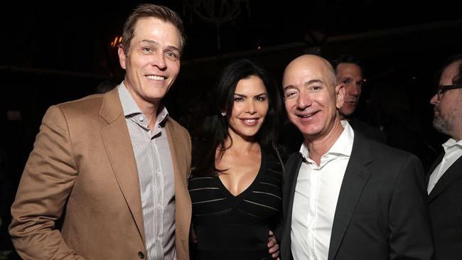 Người thứ 3 chen vào hôn nhân 25 năm của tỷ phú Amazon: Sự nghiệp lừng lẫy và từng là vợ bạn thân Jeff Bezos - Ảnh 5.