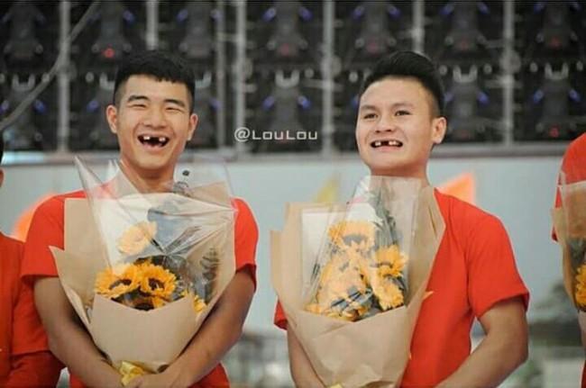 Ảnh chế răng móm của các tuyển thủ Việt Nam khiến người hâm mộ bật cười vì hài hước - Ảnh 2.