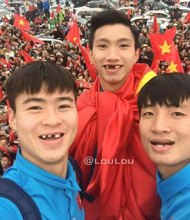 Ảnh chế răng móm của các tuyển thủ Việt Nam khiến người hâm mộ bật cười vì hài hước - Ảnh 8.