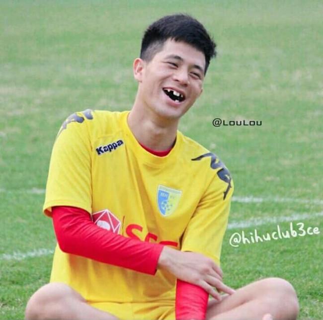 Ảnh chế răng móm của các tuyển thủ Việt Nam khiến người hâm mộ bật cười vì hài hước - Ảnh 5.