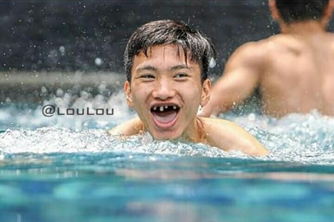 Ảnh chế răng móm của các tuyển thủ Việt Nam khiến người hâm mộ bật cười vì hài hước - Ảnh 1.