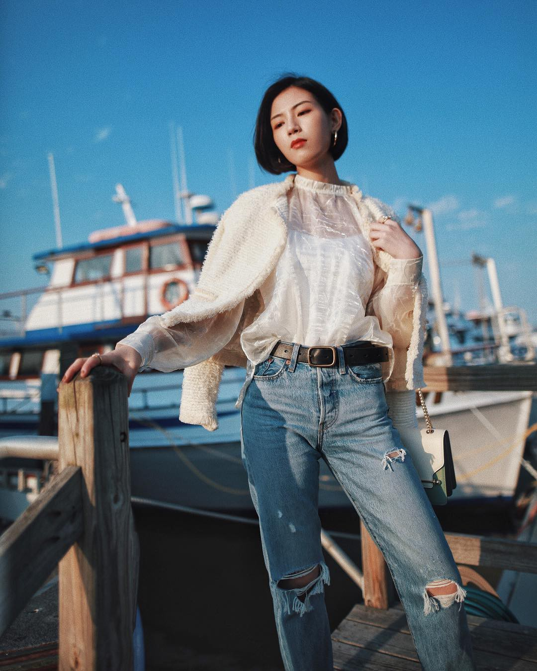 3 lỗi diện quần jeans không khiến cặp chân ngắn hơn thì cũng dễ đưa bạn vào tình huống kém duyên, nhạy cảm 10