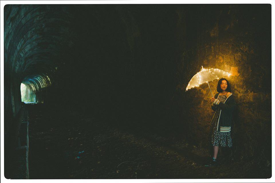 Đường hầm xe lửa Đà Lạt đẹp chẳng khác gì phim Em sẽ đến cùng cơn mưa được dân tình ầm ầm kéo đến check-in - Ảnh 2.