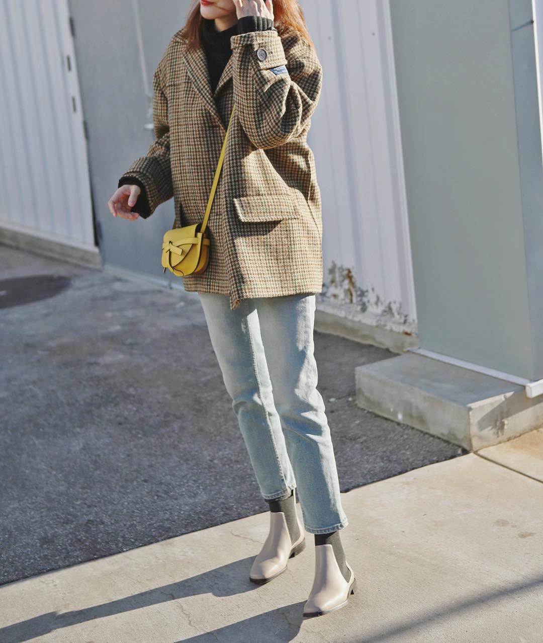 3 lỗi diện quần jeans không khiến cặp chân ngắn hơn thì cũng dễ đưa bạn vào tình huống kém duyên, nhạy cảm 3