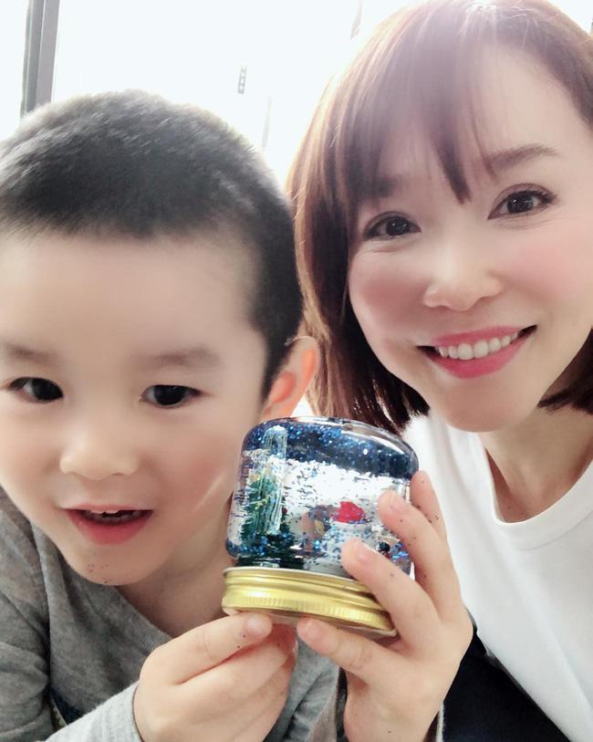 Ngắm Phạm Văn Phương, chẳng ai nghĩ cô đã 48 tuổi và đây là 7 tips chăm sóc da của nhan sắc huyền thoại này - Ảnh 3.