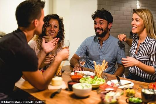 Cách ăn tối thoải mái nhưng giúp bạn giảm cân thần kỳ - Ảnh 1.