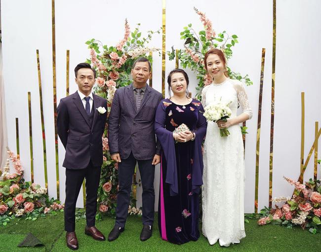 Đàm Thu Trang - mĩ nhân showbiz duy nhất được đích thân nữ đại gia Như Loan mang sính lễ tới rước về làm dâu - Ảnh 8.