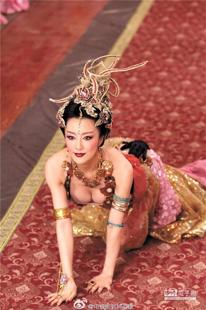 Nàng Đát Kỷ Lý Y Hiểu hút mọi ánh nhìn trong 'Minh Lan truyện' nhờ bí quyết giữ dáng này