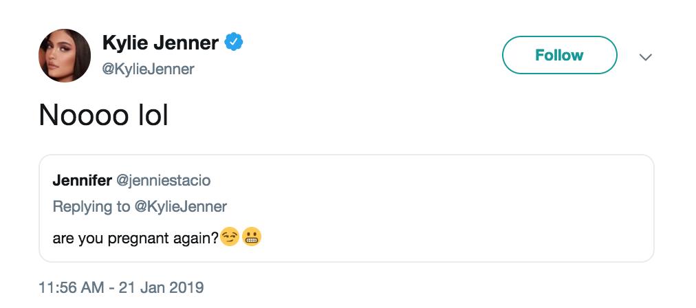 Fan xôn xao đồn thổi Kylie Jenner đã có thai lần 2 và đây là câu trả lời của cô nàng! - Ảnh 1.