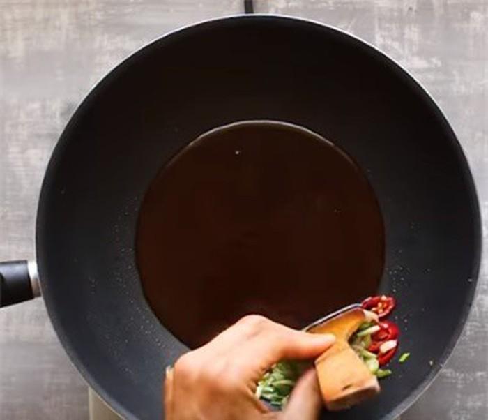 Học người Thái cách làm phở xào chay thanh nhẹ mà ngon