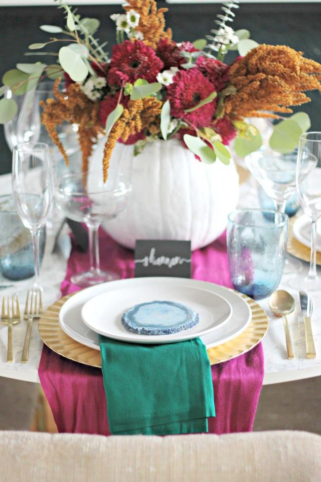 25 ý tưởng trang trí bàn ăn siêu xinh để đón Tết từ những vật dụng có sẵn xung quanh - Ảnh 6.