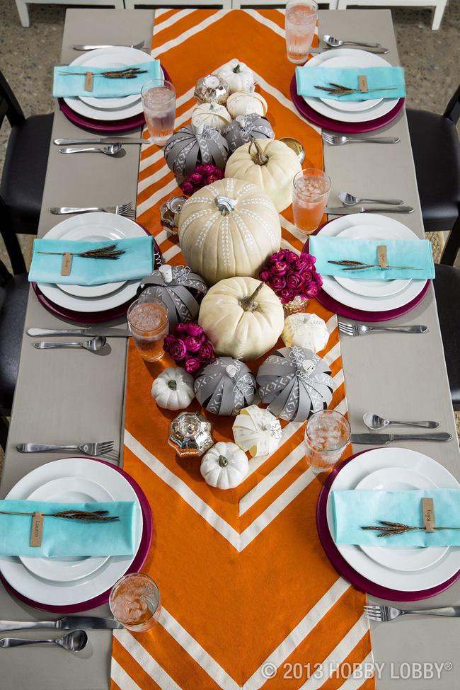 25 ý tưởng trang trí bàn ăn siêu xinh để đón Tết từ những vật dụng có sẵn xung quanh - Ảnh 13.