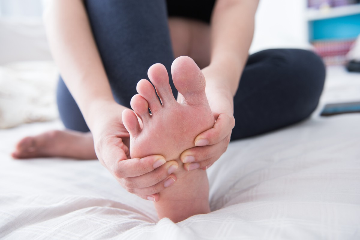 Nghe thì tưởng không liên quan nhưng đây lại là những triệu chứng cho thấy xương của bạn đang có vấn đề - Ảnh 4.