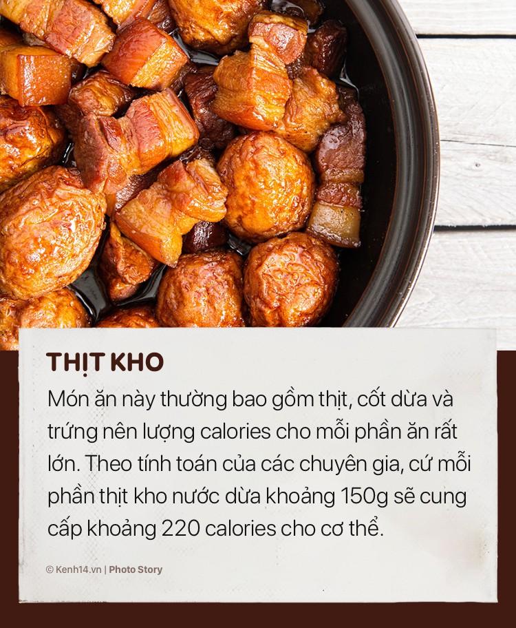 Những món ăn ngày tết sẽ khiến cân nặng của bạn tăng vùn vụt - Ảnh 7.