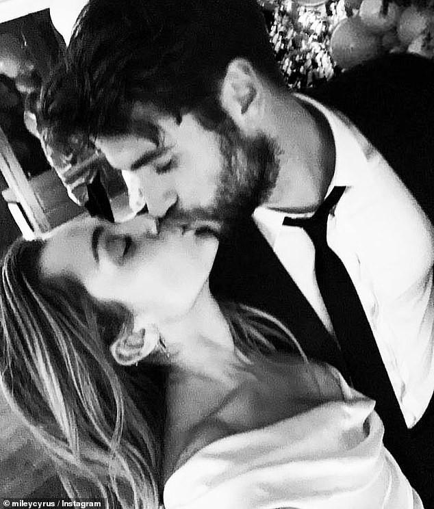 Liam Hemsworth tiết lộ câu chuyện dễ thương hết biết khi Miley Cyrus đòi đổi họ theo chồng - Ảnh 3.