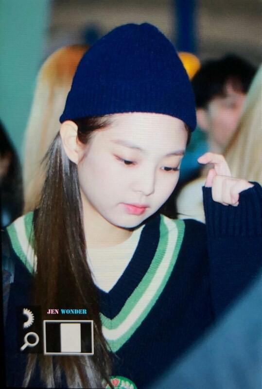 Bị chê béo như bánh bao, Jennie gây choáng với tỉ lệ mặt nhỏ chẳng kém mẫu nhí đẹp nhất thế giới 11 tuổi - Ảnh 5.