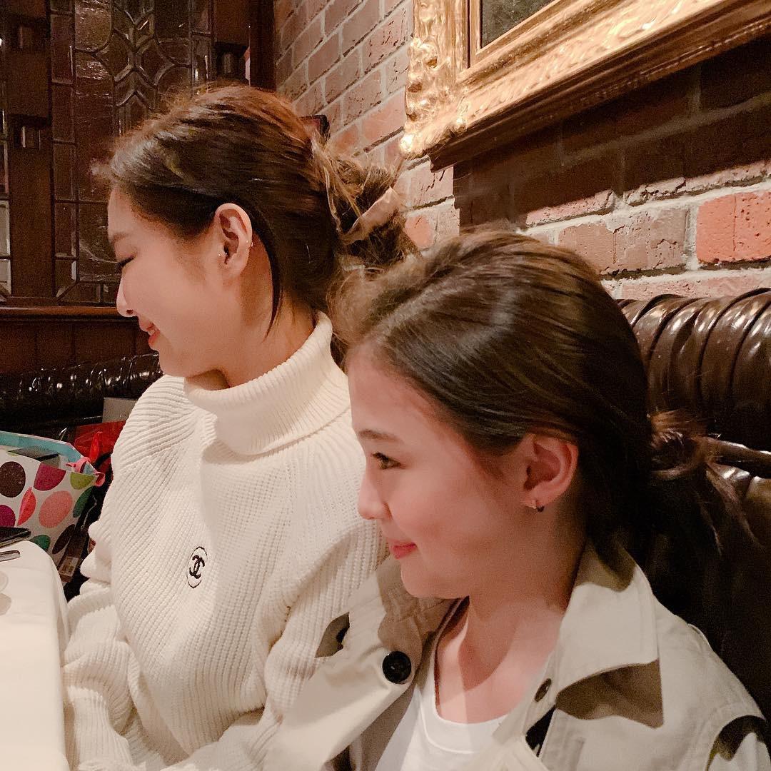 Bị chê béo như bánh bao, Jennie gây choáng với tỉ lệ mặt nhỏ chẳng kém mẫu nhí đẹp nhất thế giới 11 tuổi - Ảnh 2.