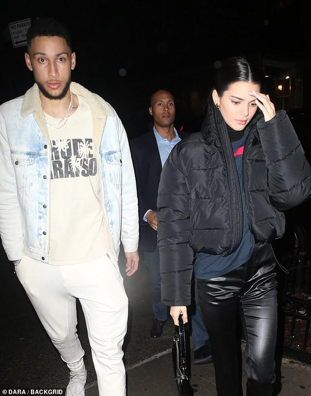 Kendall Jenner ôm hôn bạn trai cao 2m08 không rời trong nhà hàng, F.A nào nhìn vào cũng phải ghen tị! - Ảnh 6.