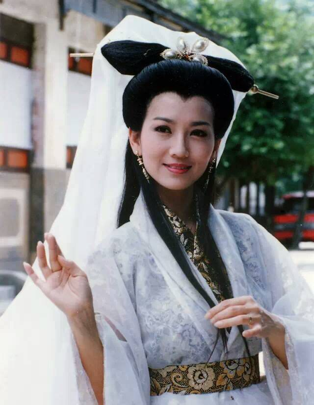 Phạm Băng Băng, Triệu Vy xinh đẹp nhường nào cũng khó có thể lão hóa ngược như người phụ nữ 65 tuổi này - Ảnh 4.