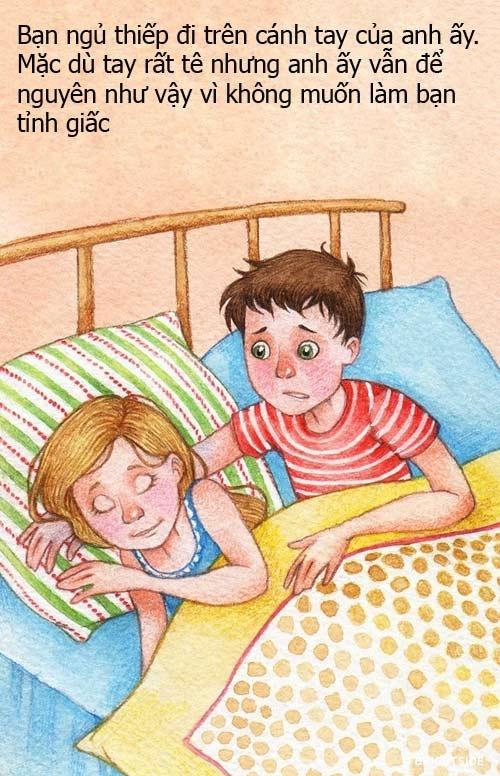 Hành động đơn giản này đủ để bạn thấy anh ấy quan tâm, chăm sóc bạn chu đáo đến mức nào. Để giấc ngủ của bạn không bi gián đoạn, anh ấy sẵn sàng chịu tê mỏi cánh tay. Đây là hành động của một người chồng thương vợ đó.