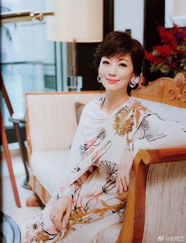 Phạm Băng Băng, Triệu Vy xinh đẹp nhường nào cũng khó có thể lão hóa ngược như người phụ nữ 65 tuổi này - Ảnh 1.
