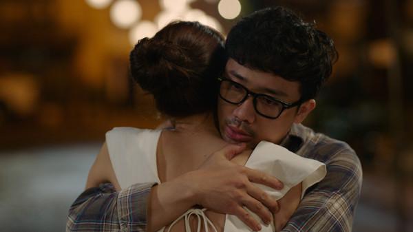 'Cua lại vợ bầu' đứng đầu doanh thu lịch sử điện ảnh Việt nhưng sao top bình luận vẫn chê bai thế này? 2