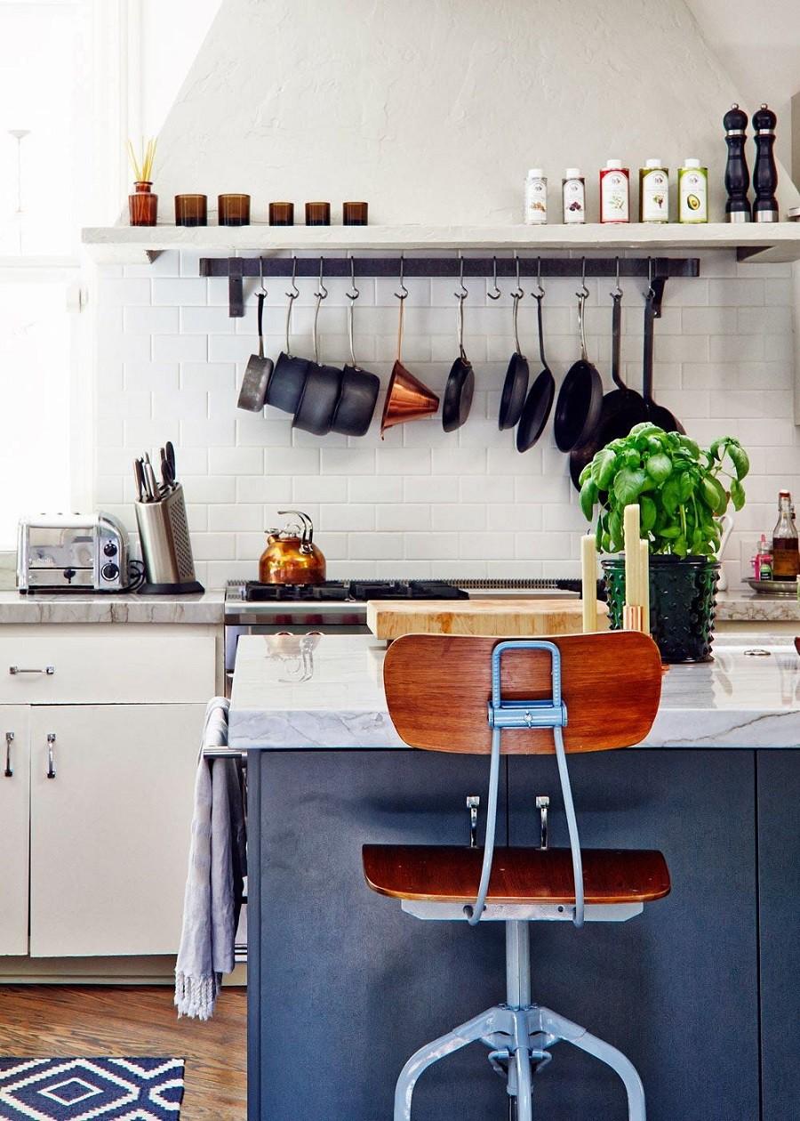 Muốn tủ bếp lúc nào cũng gọn gàng, ngăn nắp hãy tham khảo ngay những thiết kế lưu trữ đồ dùng làm bếp này - Ảnh 5.