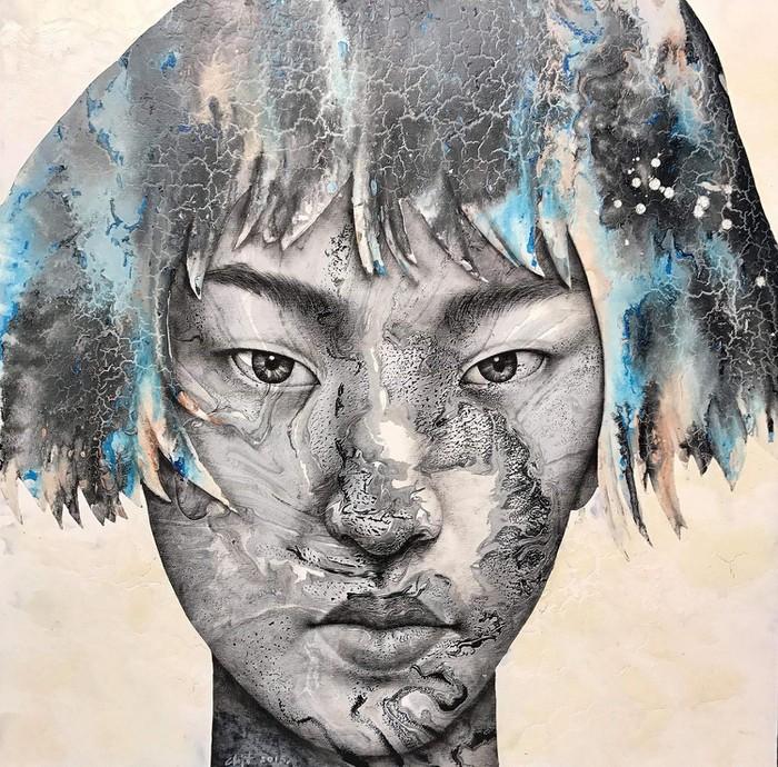 Khuôn mặt châu Á không vui, không buồn, không cười, không nói