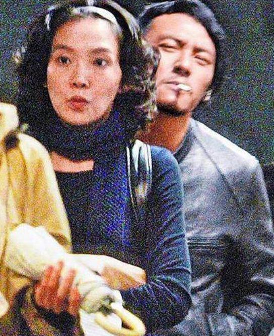 Trương Chấn: Nam tài tử bị gán danh Cỗ máy bẻ cong giới tính bạn gái của Cbiz và loạt mối tình trớ trêu - Ảnh 13.
