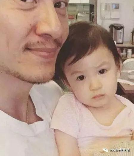 Trương Chấn: Nam tài tử bị gán danh Cỗ máy bẻ cong giới tính bạn gái của Cbiz và loạt mối tình trớ trêu - Ảnh 22.