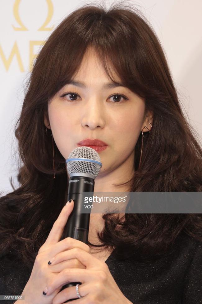 Vẫn biết Song Hye Kyo đẹp nhưng làn da hoàn mỹ, zoom cận cảnh không thấy lỗ chân lông mới là thứ đáng để ao ước - Ảnh 3.