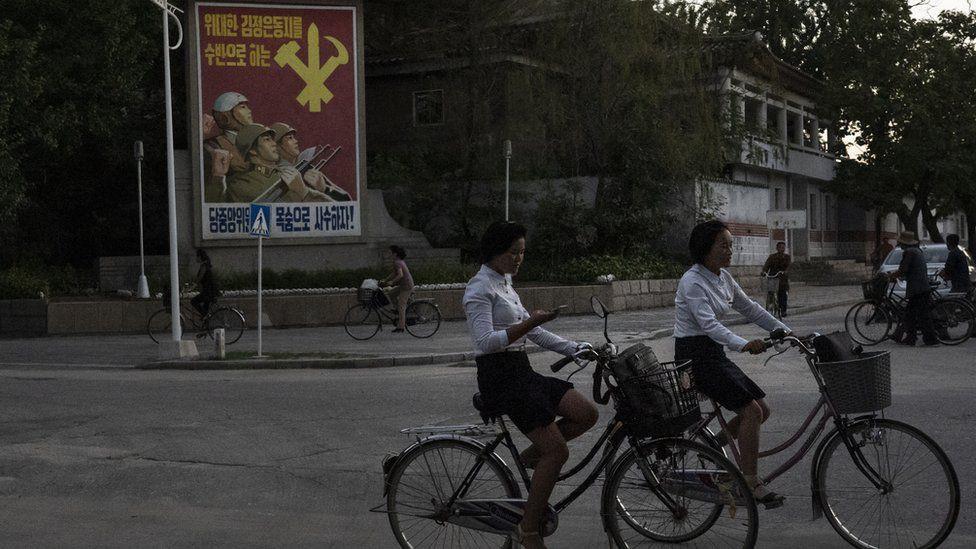 Những khoảnh khắc bình dị ở Triều Tiên được khắc hoạ sinh động qua ống kính của nhiếp ảnh gia nước ngoài - Ảnh 11.