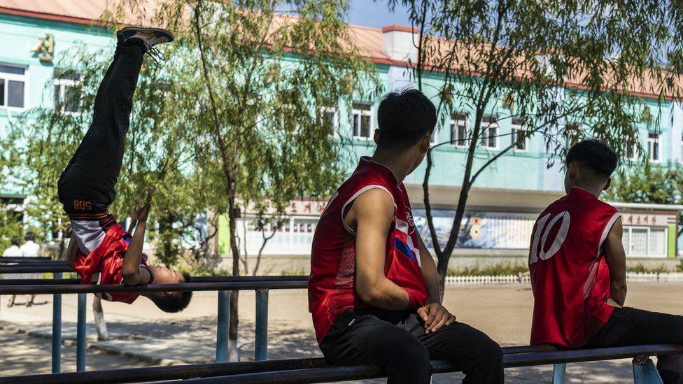 Những khoảnh khắc bình dị ở Triều Tiên được khắc hoạ sinh động qua ống kính của nhiếp ảnh gia nước ngoài - Ảnh 8.