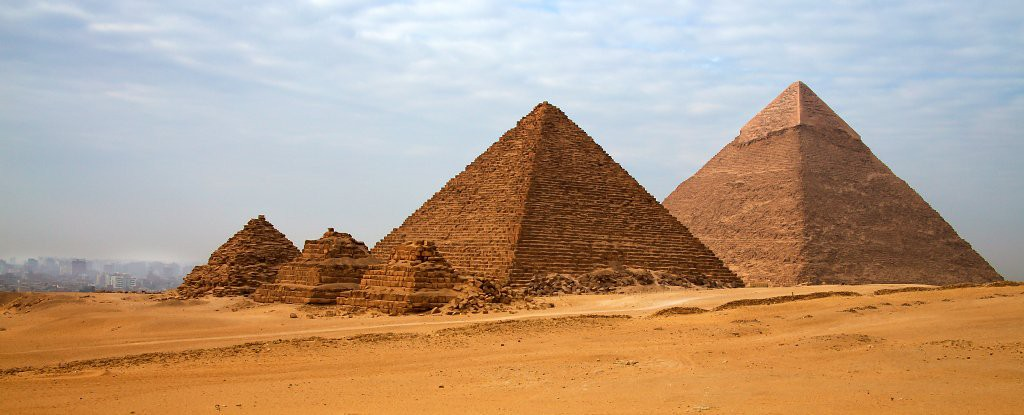 Tại sao Kim tự tháp Giza lại hoàn hảo đến vậy? Bí mật ngàn năm có thể đã được giải đáp - Ảnh 1.