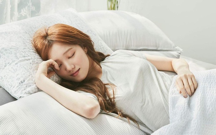 """Không xa, giấc ngủ là """"thần dược"""" giúp nhan sắc của nàng thăng hạng"""