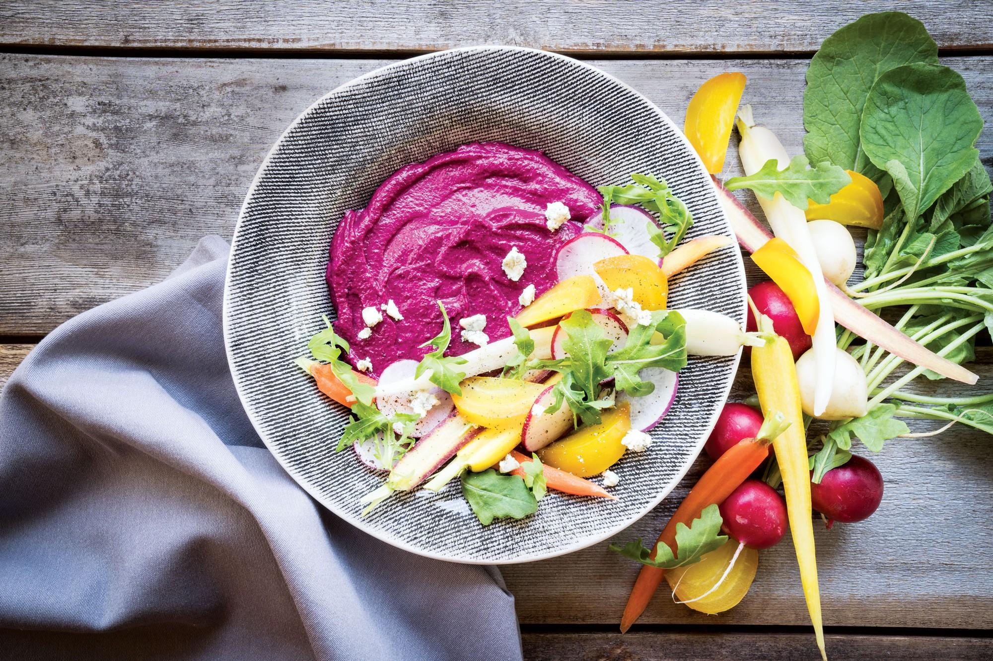 Duy trì một chế độ ăn kiêng khắt khe, rất có thể bạn đang thiếu hụt các chất dinh dưỡng sau - Ảnh 3.