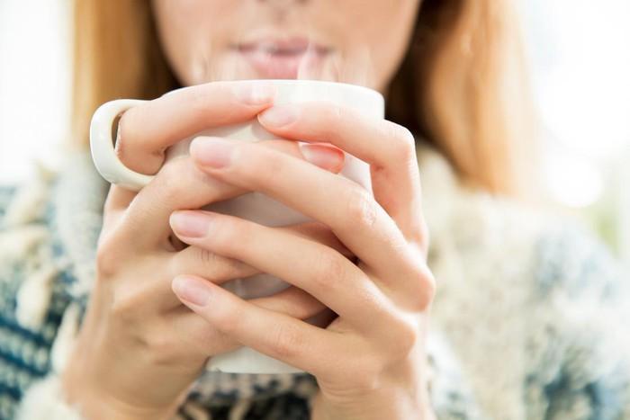 Uống ly nước nóng vào 2 thời điểm này trong ngày: Đào thải độc tố, giảm cân và nhiều lợi ích khác