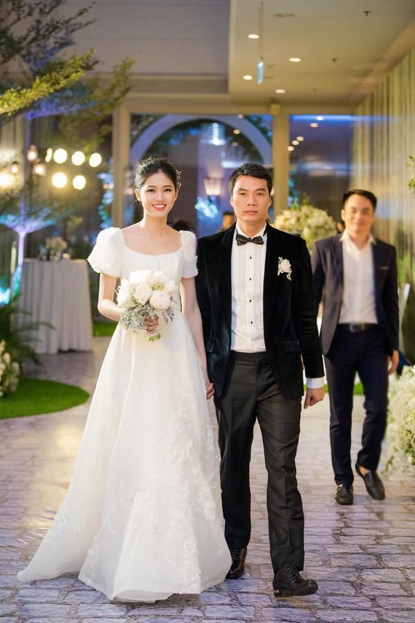 Á hậu Thanh Tú lộ vòng hai lớn bất thường sau 3 tháng kết hôn với ông xã đại gia - Ảnh 4.
