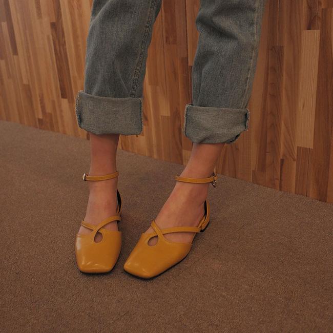 Đã đến lúc những đôi boots thời thượng nhường chỗ cho 4 mẫu giày công sở cách điệu xinh xắn này - Ảnh 15.