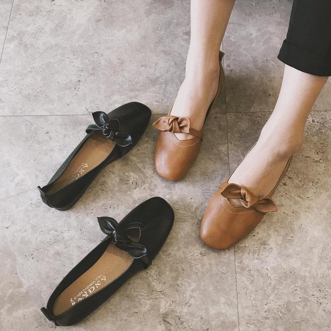 Đã đến lúc những đôi boots thời thượng nhường chỗ cho 4 mẫu giày công sở cách điệu xinh xắn này - Ảnh 9.