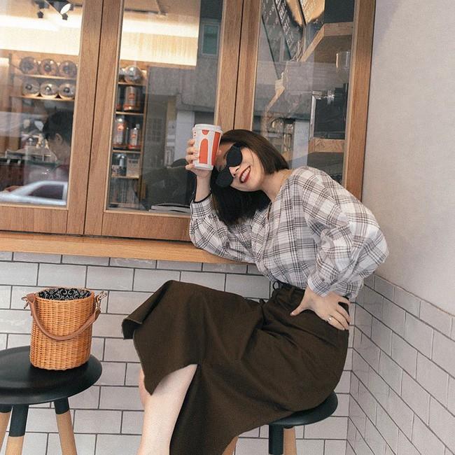 Quá mệt mỏi với chuyện mặc gì mỗi sáng, đây là 10 gợi ý diện đồ lười biếng nhưng sành điệu miễn bàn cho nàng công sở - Ảnh 9.