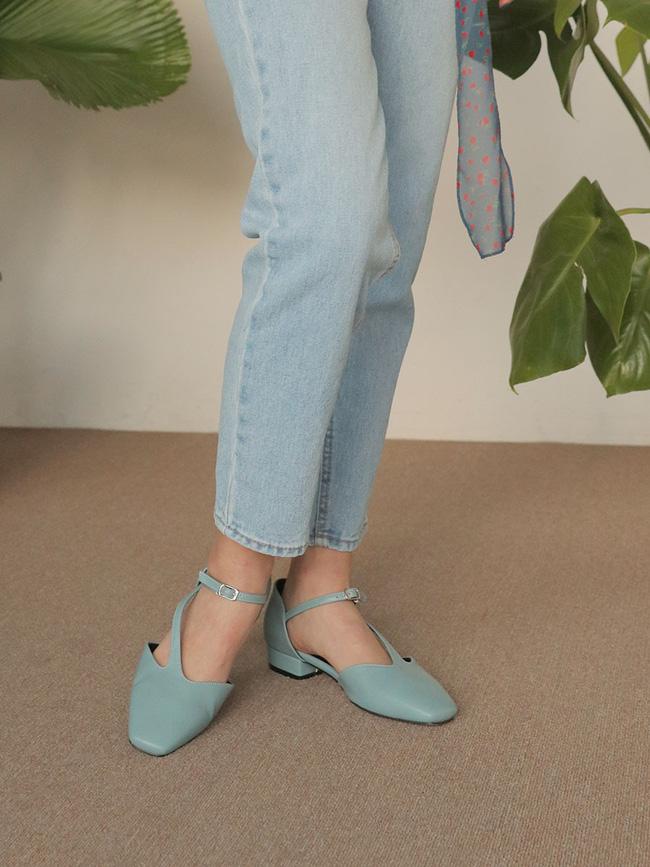 Đã đến lúc những đôi boots thời thượng nhường chỗ cho 4 mẫu giày công sở cách điệu xinh xắn này - Ảnh 14.