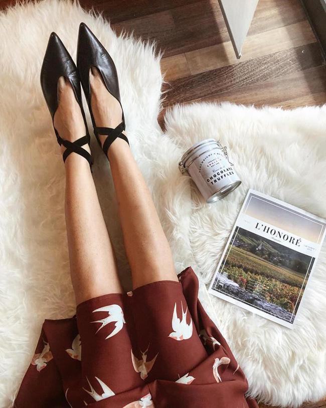Đã đến lúc những đôi boots thời thượng nhường chỗ cho 4 mẫu giày công sở cách điệu xinh xắn này - Ảnh 12.