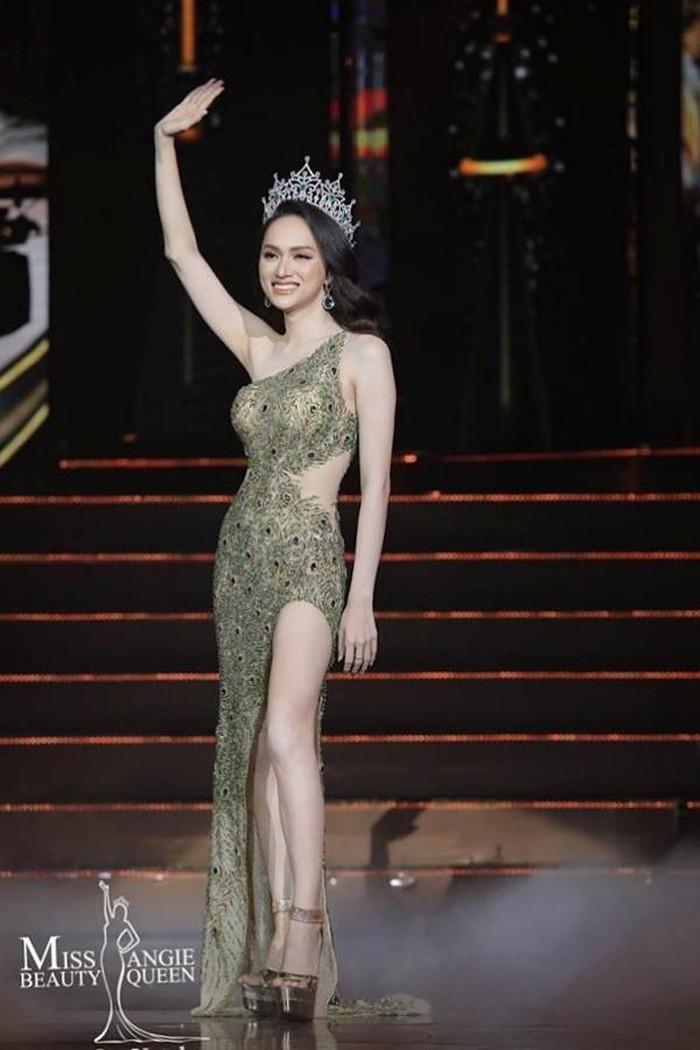 Hương Giang trao vương miện Hoa hậu chuyển giới quốc tế cho đại diện Mỹ
